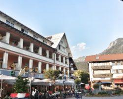 Das Hotel MOHREN mitten in Oberstdorf am Marktplatz.