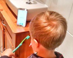 Playbrush_Die Handzahnbürste im Einsatz