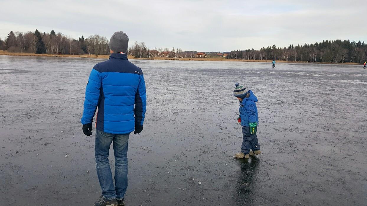 Aktivitäten im Winter mit Kindern